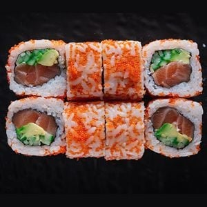 401. California Salmon Roll (8 Adet)