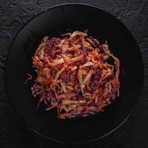 Acı Kırmızılahana Salatası