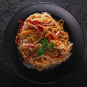 Funçosa Salatası
