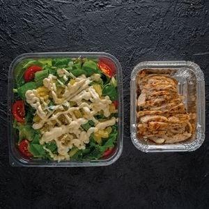 Tavuklu Ananas Salatası