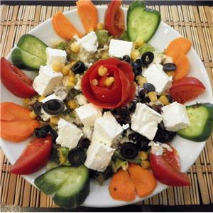 Beyaz Peynirli Salata