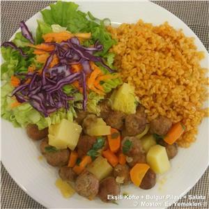 Ekşili Köfte + Bulgur Pilavı + Salata