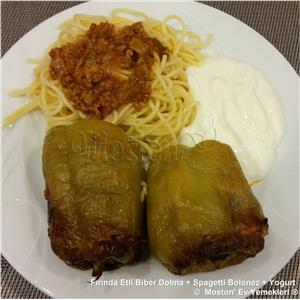 Fırında Etli Biber Dolma + Spagetti Bolonez + Yoğurt